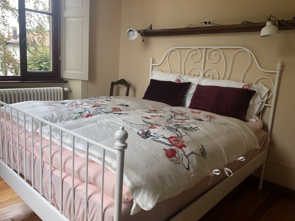 Generoso bed